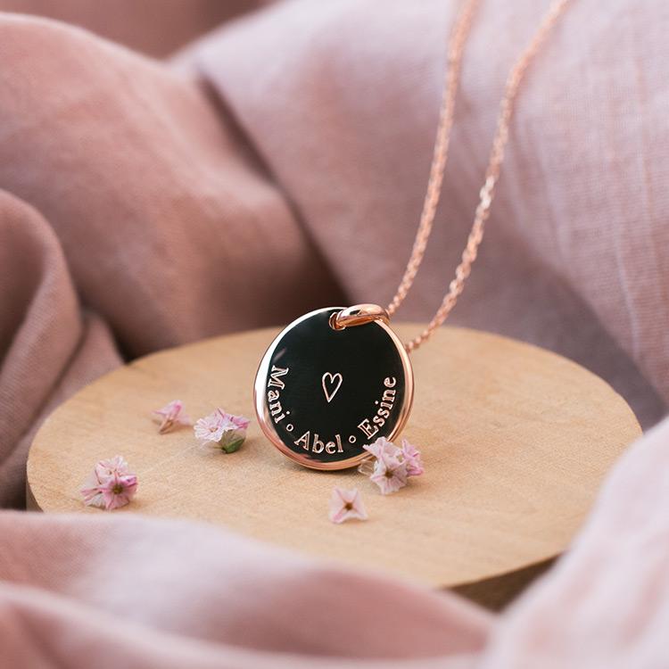 Médaille Fanny bombée cœur personnalisée 3 prénoms