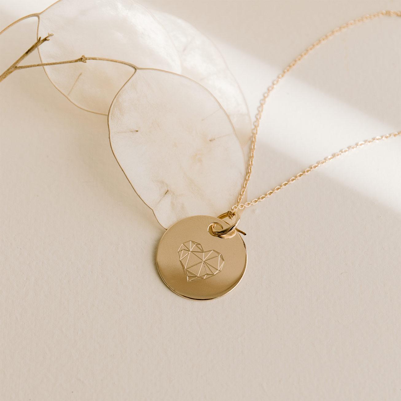 Collier coeur géométrique plaqué or